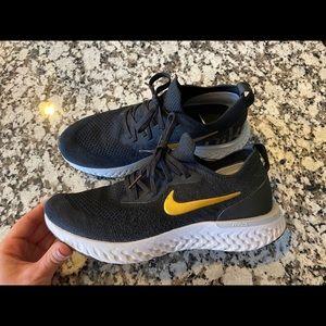 Nike Epic React Flyknit 8.5
